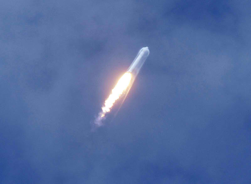 SpaceX Wins New Commercial Launch Order : Innerspace.net