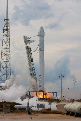 SpaceX Completes Hotfire, Congress Set to Torch Commercial Crew