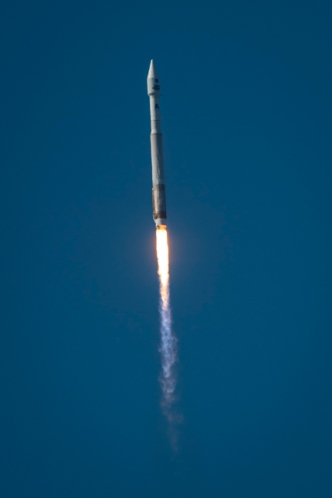 Atlas V Lifts Off with Landsat 8 Credt :  NASA
