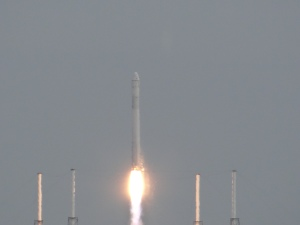 Falcon 9 Lifts Off, Dragon Drama Ensues