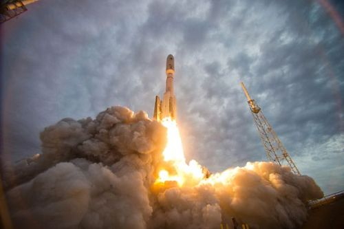 Atlas V Boosts Navy ComSat to Orbit