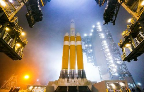 Delta Heavy, Ariane V Prepare for Launch