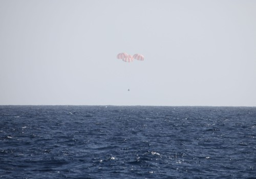 Cargo Dragon Returns from Orbit Credit : SpaceX